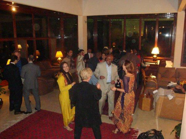 Asma Sherazi & other TV Anchors Dancing