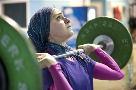 kulsoom-lifting-with hijab